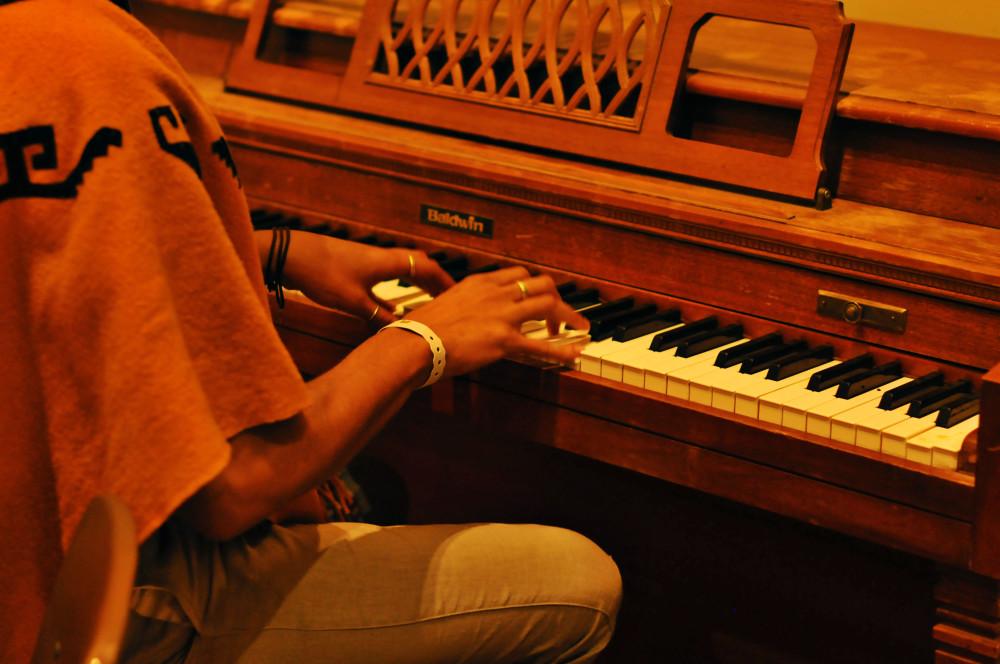 NoMBe piano